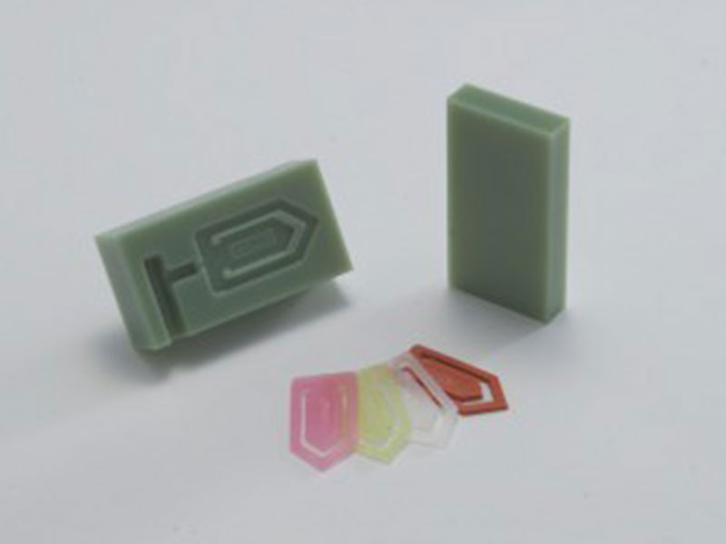 Clips injection molds